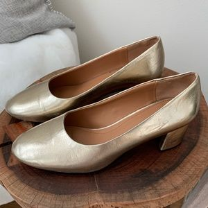Zara gold round toe pumps! Great for the holidays!